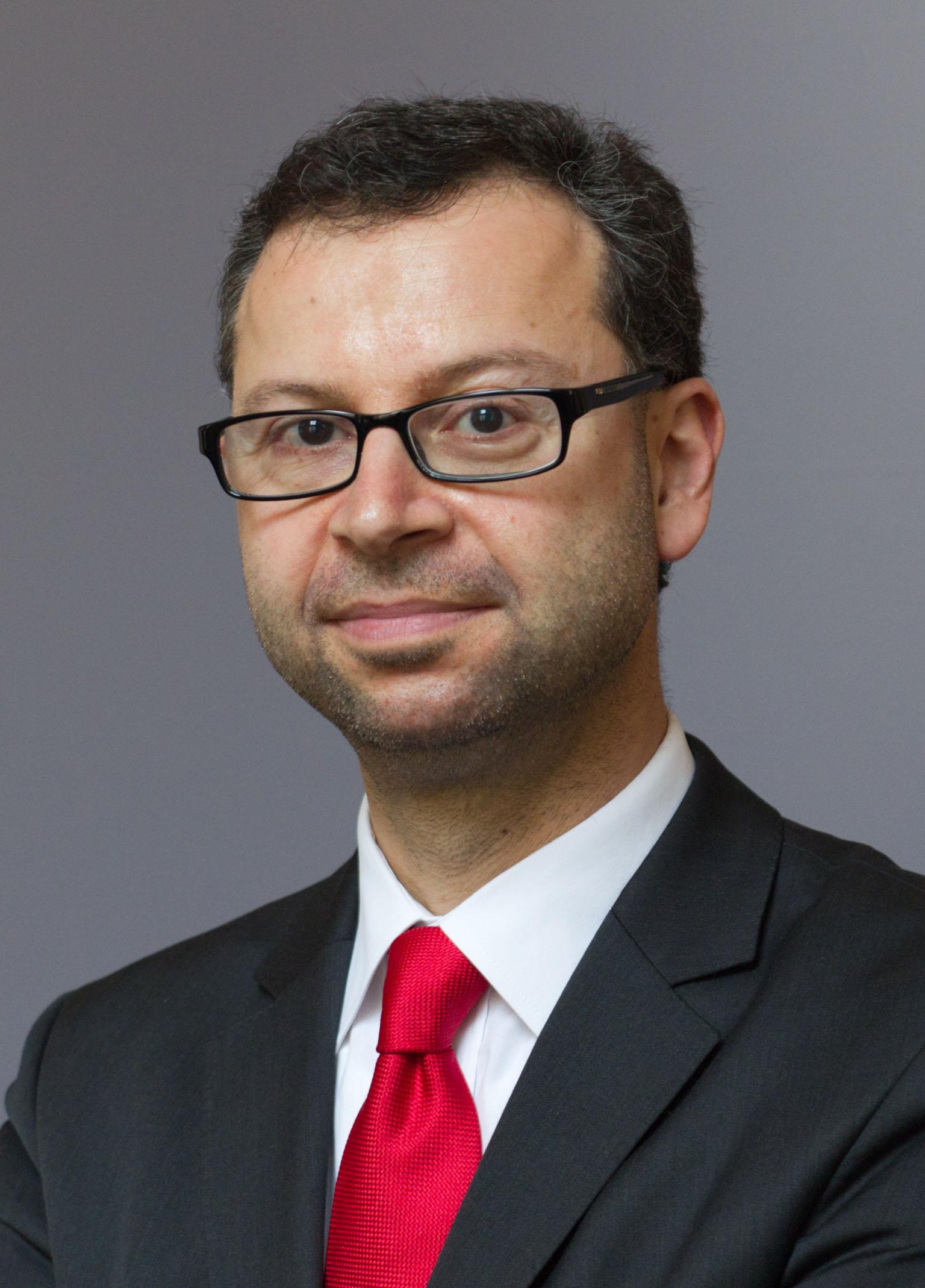 Dr. Kai-Olaf Lang